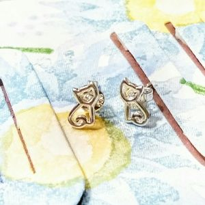 NWOT Cat Stud Earrings